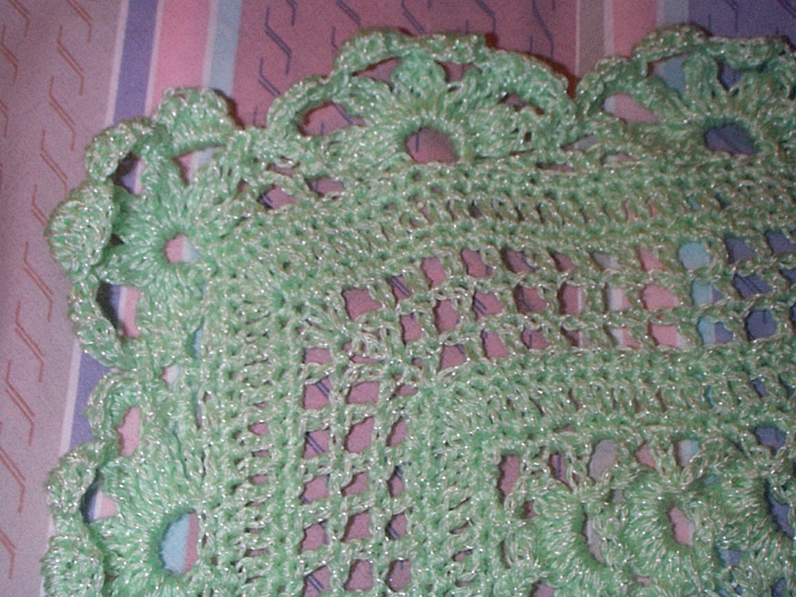 Crocheting A Baby Quilt : Crochet Baby Blanket (2001)